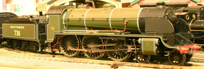 Hornby N15 class 736 Excalibur (1)
