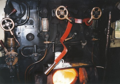 007 - Isfield - Lavender line - Ivatt 2MT 46443
