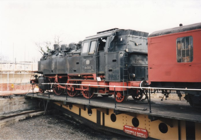 1995 - Wansford (turntable) - 64-305
