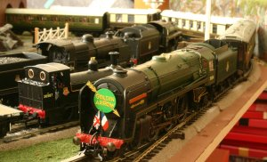 Hornby 70004 William Shakespeare Golden Arrow