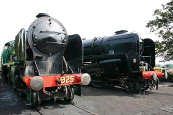 Watercress Railway - Ropley - Schools Class V - 925 Cheltenham & BR Standard 9F - 92212