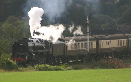 2011 - Approaching Ropley (From Alresford) - BR Standard 9F - 92212
