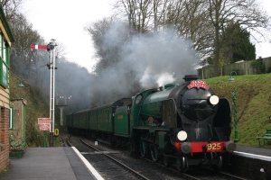 2012 - Watercress Line - Medstead and Four Marks - Schools class V - 925 Cheltenham - Santa Specials