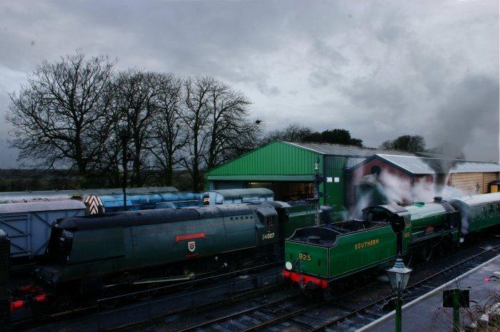 2012 - Watercress Line - Ropley - Schools class V - 925 Cheltenham - Santa Specials