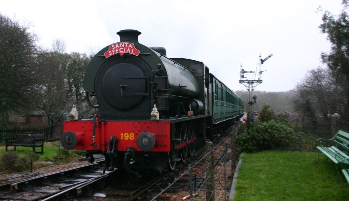 December 2012 - Isle of Wight Steam Railway - Havenstreet - Hunslet Austerity class - WD198 Royal Engineer