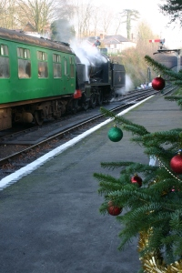 2012 - Watercress Line - Alresford - Christmas tree and U class 31806
