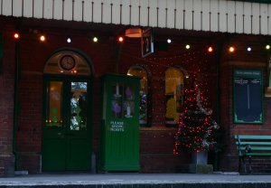 2012 - Watercress Line - Ropley - Christmas Tree and Lights