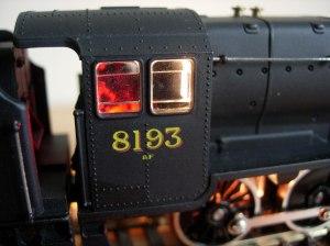 Hornby 8F 8193 - fireglow