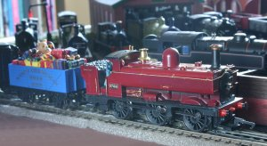 Locoyard Christmas 2012 (Delivery by Red and Gold Pannier Tank 2783)