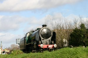 2013 - Watercress Line - Alton - SR Schools class V - 925 Cheltenham