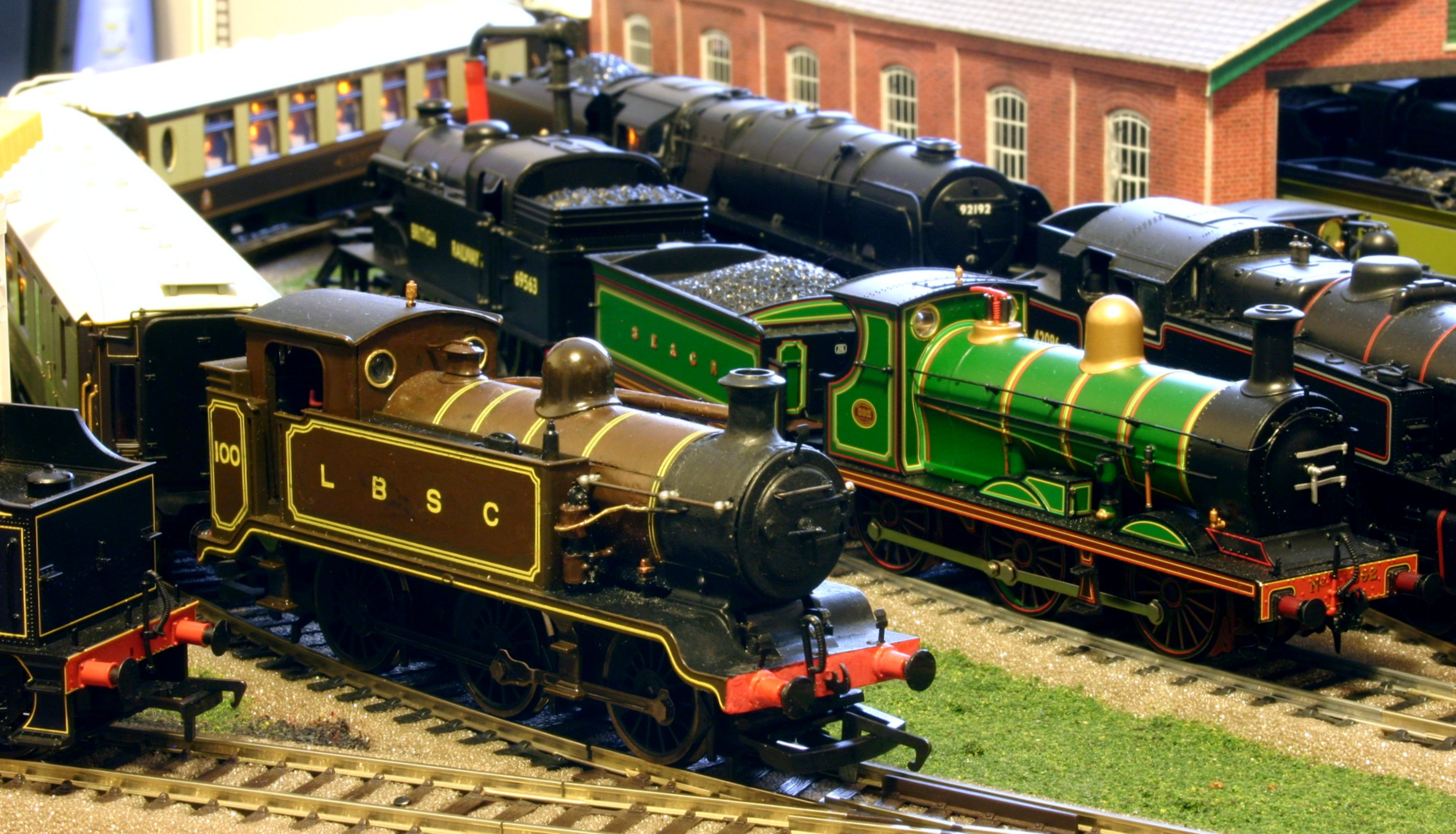 Hornby passenger trains time