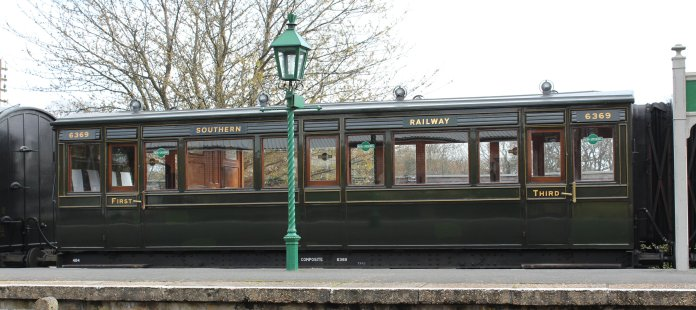 2013 - Isle of Wight Steam Railway - Havenstreet - Southern Carriage 6369