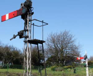 Watercress Line - 2013 - Ropley - signals