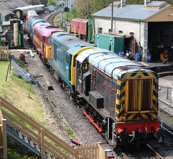2013 - Swanage Railway - Swanage - class 08 - 08 436 - D3551 & class 20 - 20142