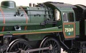 Bachmann - BR Standard 4MT 4-6-0 class - 75069 Locoyard Review (boiler fittings & pipework)