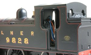 Hornby Railroad - LNER J83 - model review - 9828 (cab)