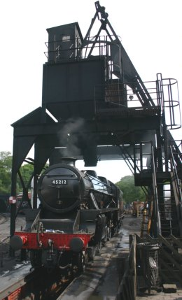 2011 - North York Moors Railway - Grosmont - Ex-LMS Black 5 - 45212 Roy Corky Green