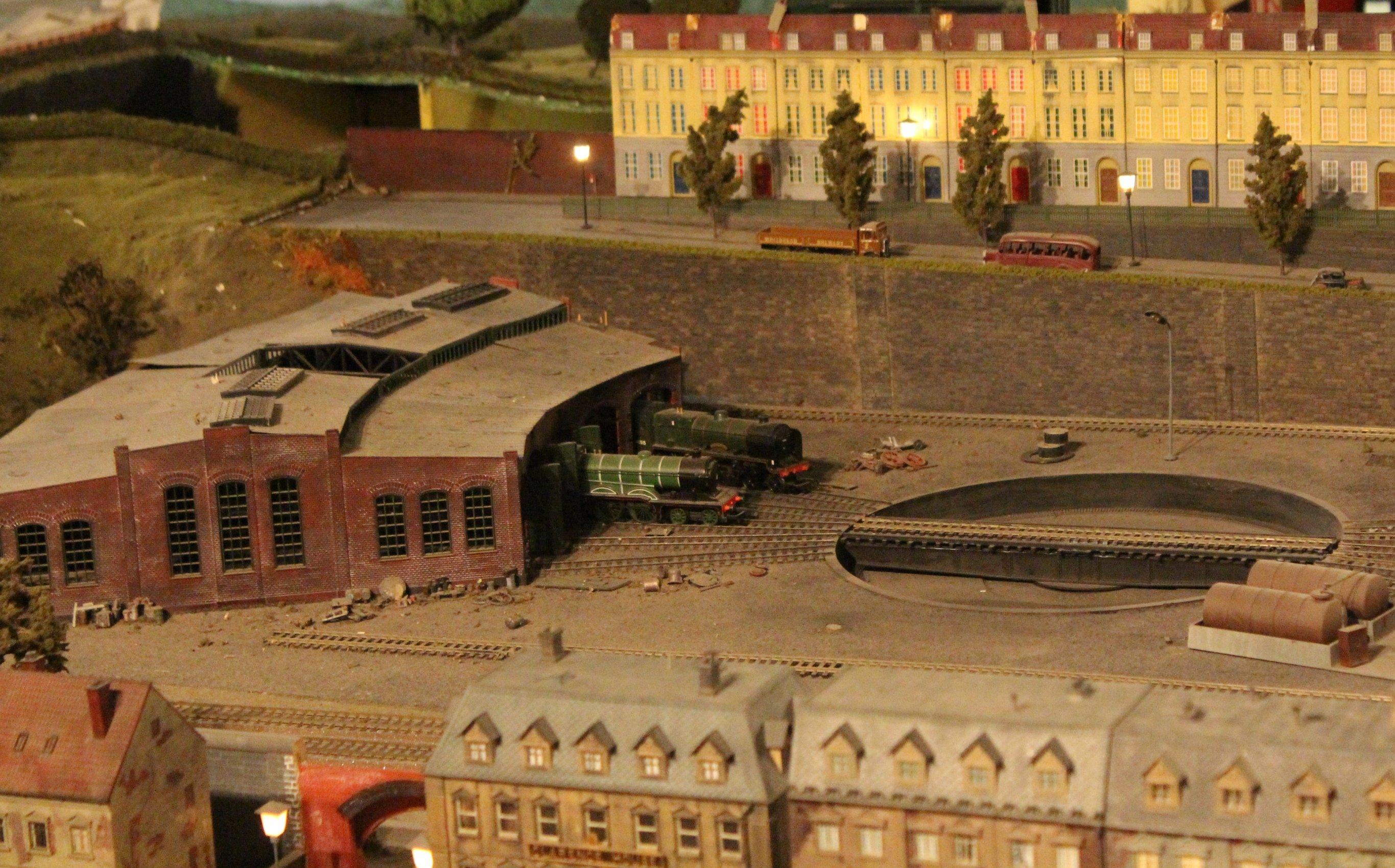 Trago Mills 00 Scale Model Railway 2013 32 Engine Shed