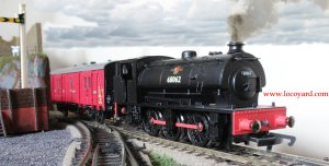 Locoyard - Hornby Hunslet Austerity J94 BR 68062 (with Maunsell Passenger Van C)