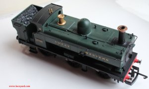 Locoyard Review - Hornby Railroad 2721 Open Cab Dean Pannier Tank - 2748 (Upper View)