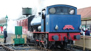 Xmas 2013 - Isle of Wight Steam Railway - Havenstreet - Hunslet Austerity WD192 Waggoner