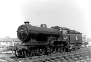 R3233-R3235-LNER-4-4-0-D16-3-Class-V1