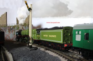 Locoyard - Bachmann new build steam A1 class - 60163 apple green (tender)