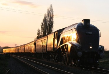 Sir Nigel Gresley in the evening sunshine at Oathe