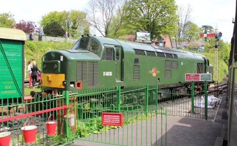 2014 - Watercress Railway - Alresford - Class 37 D6836 37905