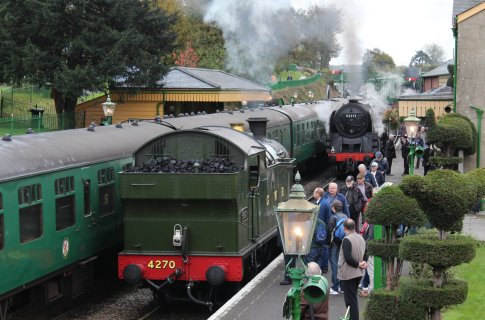 2014 Autumn Steam Gala Watercress Line - Ropley - GWR 42xx 2-8-0T 4270 & BR Standard 9F Class 92212