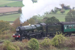 2014 Autumn Steam Gala Watercress Line - Approaching Ropley - Ex-GWR Castle Class - 5029 Nunney Castle