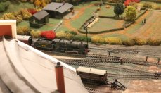Guilford Museum - Guildford 00 scale model railway - southern 1930s (half roundhouse roof Bachmann N class 1405)