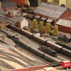 Guilford Museum - Guildford 00 scale model railway - southern 1930s (station kit built T9 class 304)