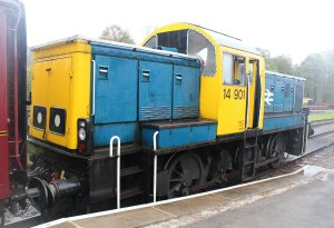 Nov 2014 Peak Rail Rowsley South - Class 14 Diesel Shunter 14901