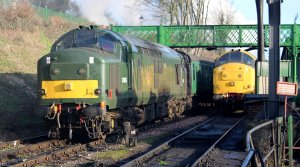 Watercress Railway 2014 Ropley Christmas Santa Specials - Class 37 - D6836 and 37901 Mirrlees Pioneer