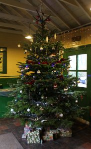 Watercress Railway 2014 Medstead and Four Marks Christmas Santa Specials -  - Christmas Tree