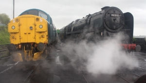 Watercress Line 2015 Ropley - Class 37 37324 Clydebridge and BR Standard 9F 92212