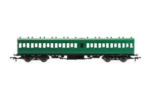 Hornby SR 58' Maunsell Rebuilt (Ex-LSWR 48') Nine Compartment Lavatory Third Class Coach - R4720