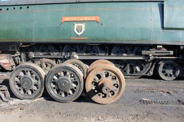 Watercress Line Ropley 10th July 2015 (34007 Wadebridge firth brown wheels)