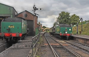 294e - Watercress Line Ropley Southern Railway Schools Class V 925 Cheltenham and 850 Lord Nelson - 2nd September 2015