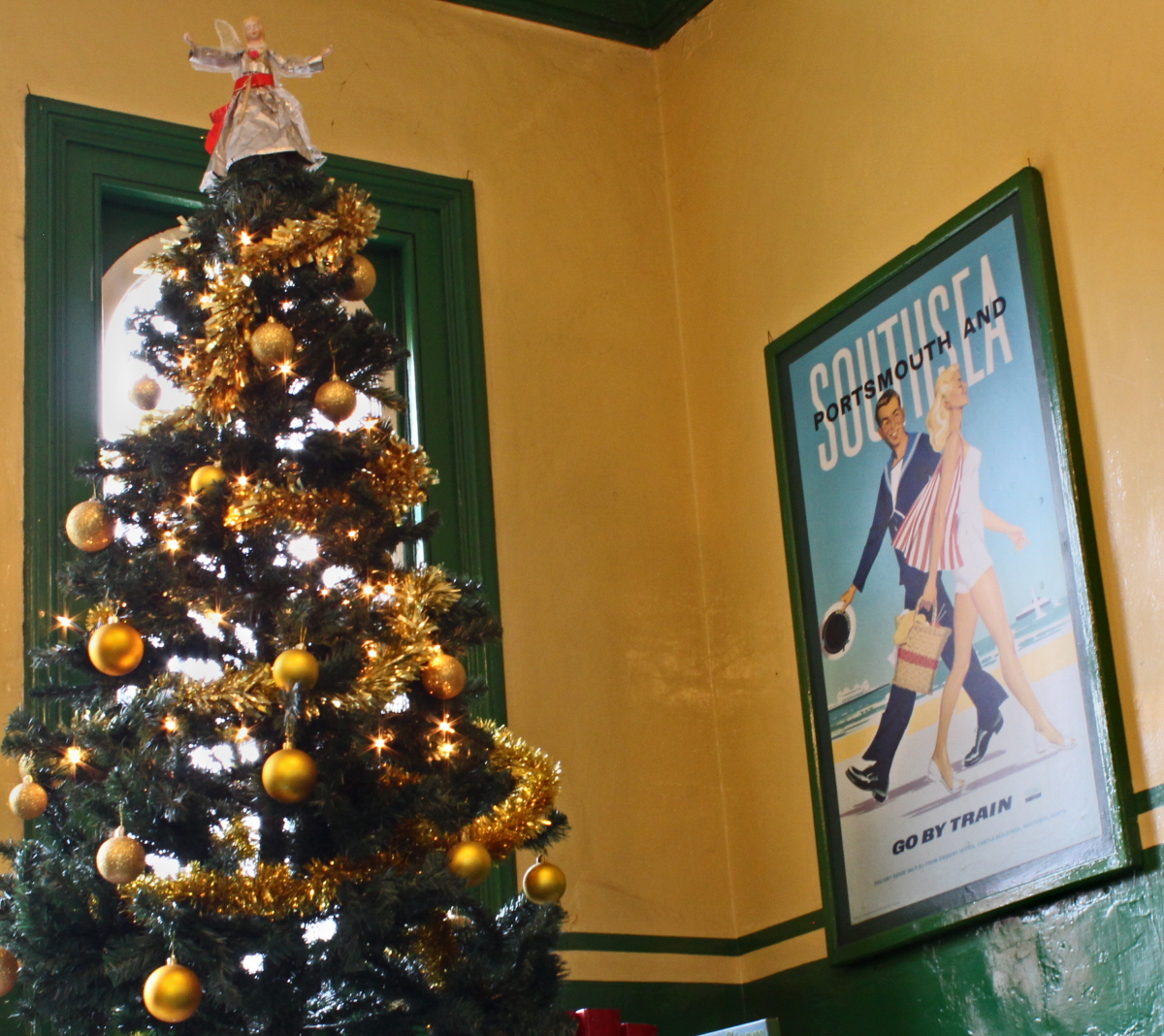 Ropley Booking Office Christmas Tree