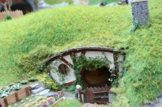 Hobbiton End Model Railway (01) JRR Tolkien Lord of the Rings and the Hobbit