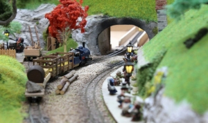 Hobbiton End Model Railway (11) JRR Tolkien Lord of the Rings and the Hobbit Bilbo tunnel