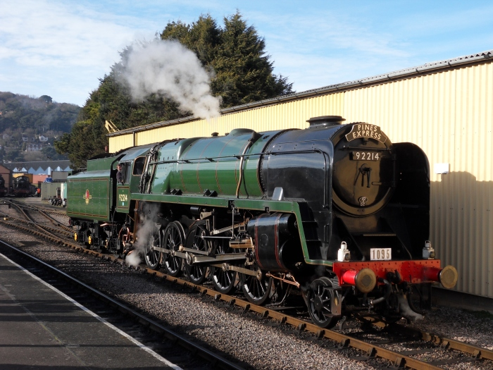 BR 9F 92214 poses at Minehead