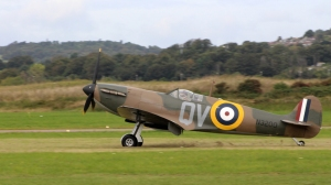 Shoreham Airshow 2014 (1) Spitfire N3200