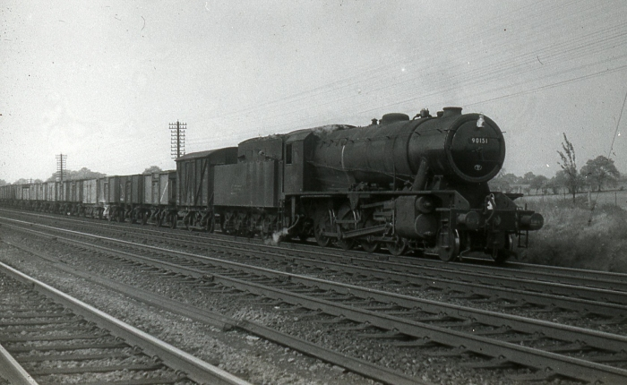 RAILWAY LOCO 35mm BW SLIDE UK LOCO NO B.R 90151