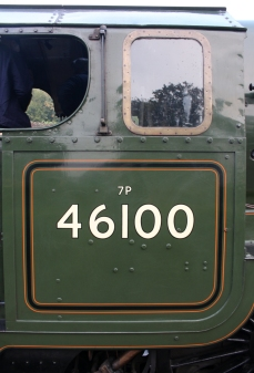 23-10-2016-watercress-line-autumn-steam-gala-2016-09-ex-lms-46100-royal-scot-at-ropley
